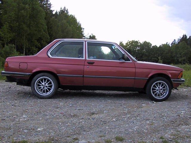 BMW-3_series_E21-foto_b36248