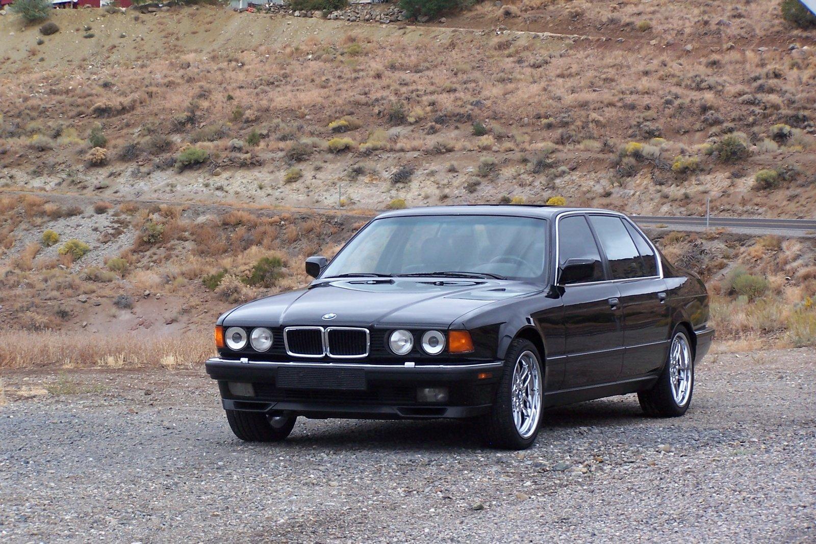 отзывы о BMW 750 e32