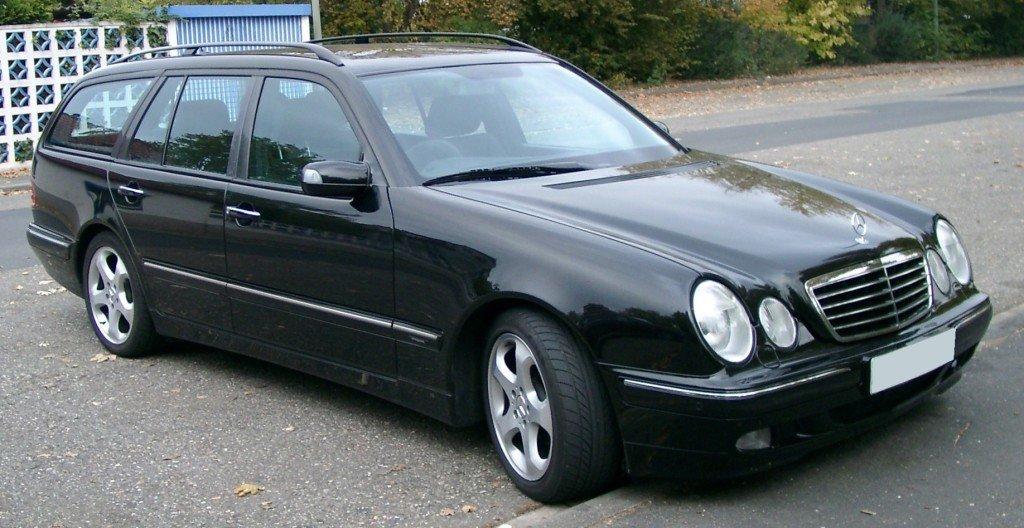 Mercedes_S210_frontjpg