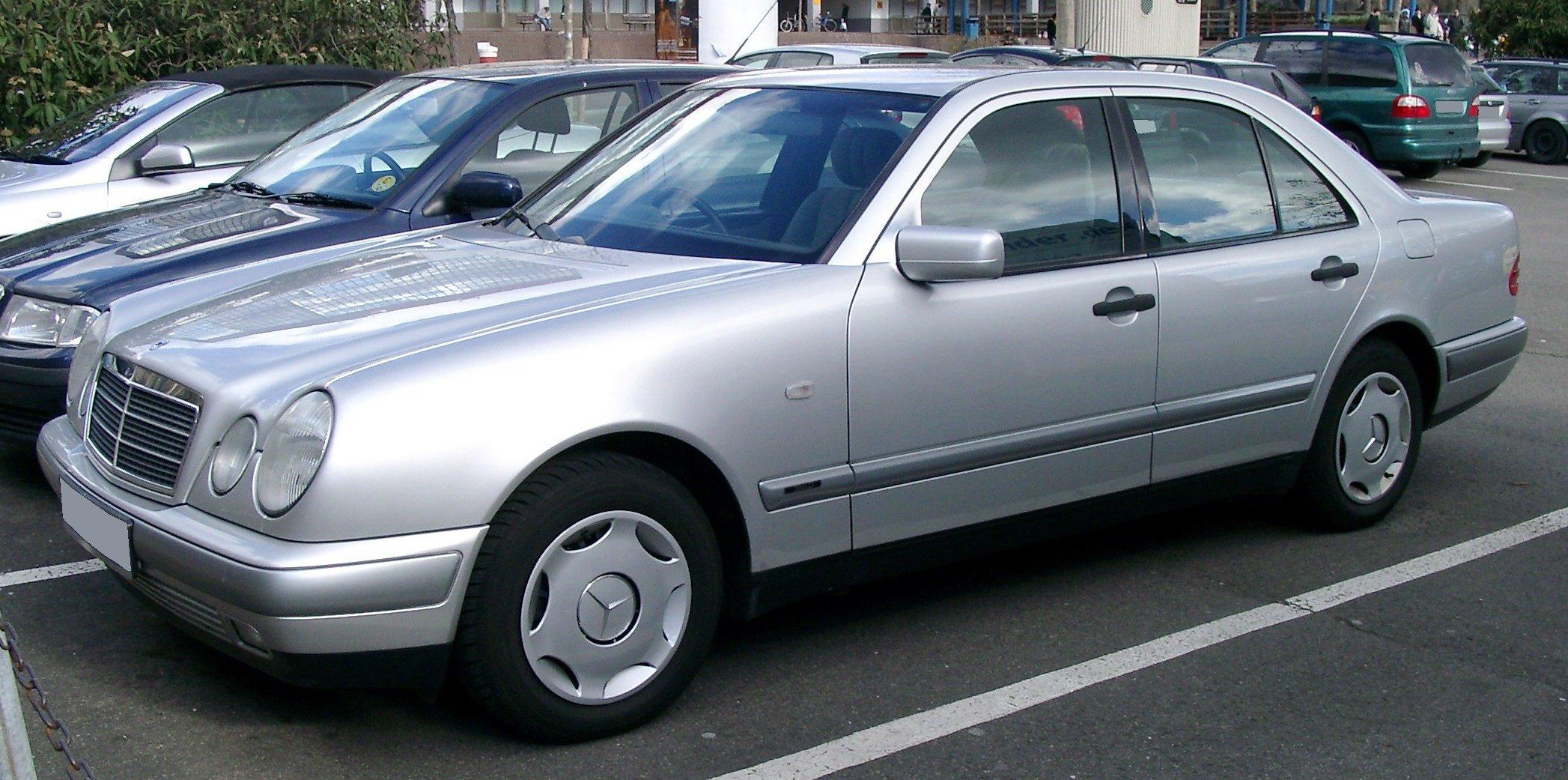 Mercedes_W210