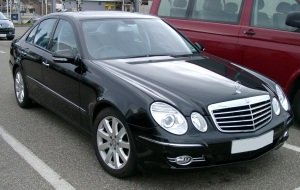Mercedes_W211