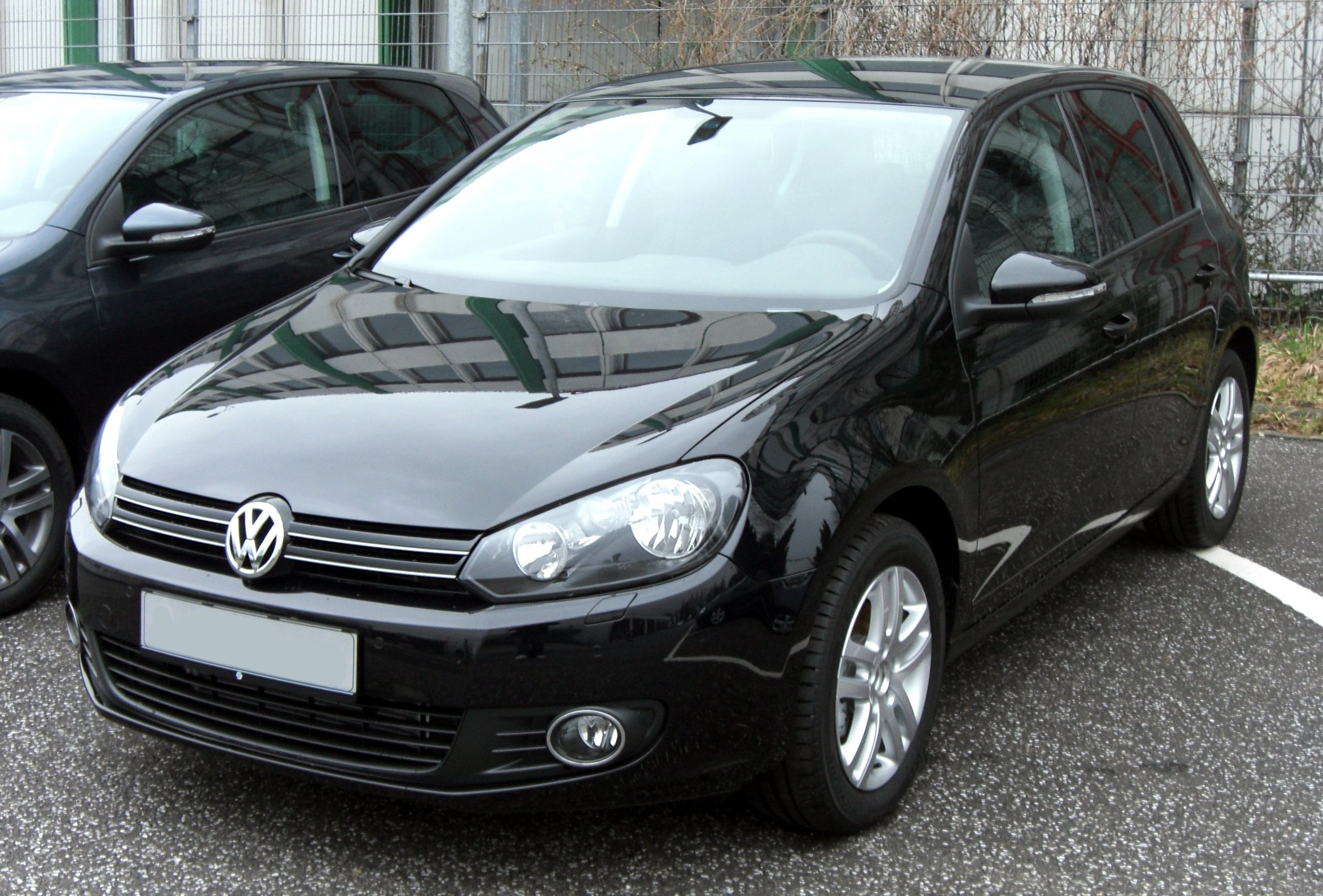 VW_Golf_VI_front