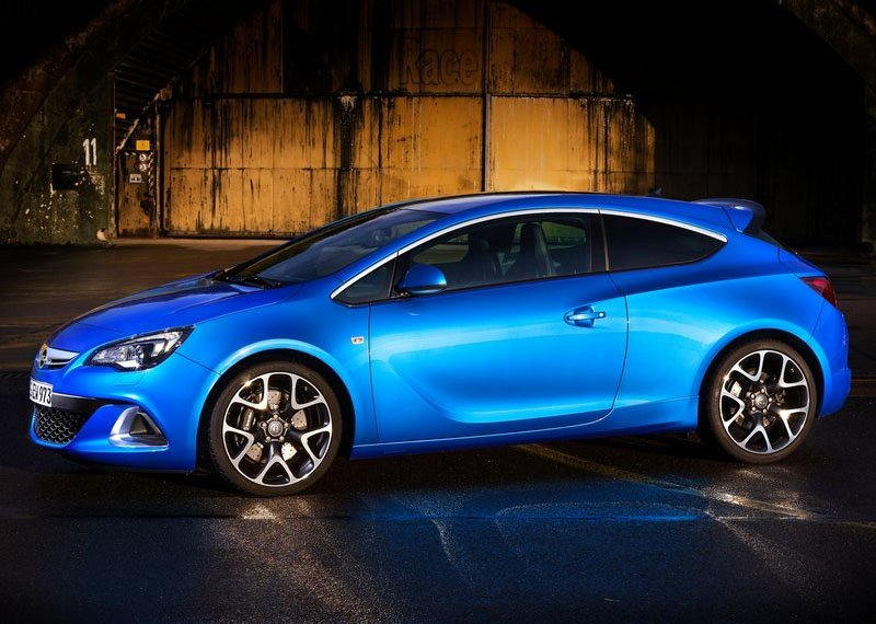 Opel-Astra-OPC-2013-2014-profile