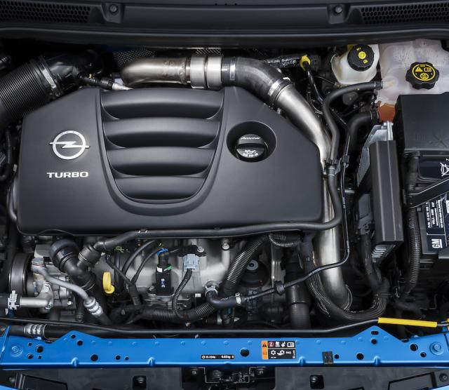 Opel-Astra-OPC-Engine-Bay