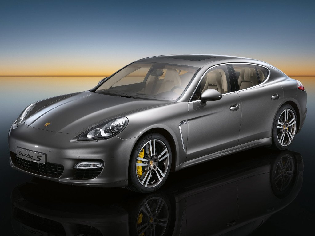 Porsche-Panamera-Turbo-S-2011-Photo-33
