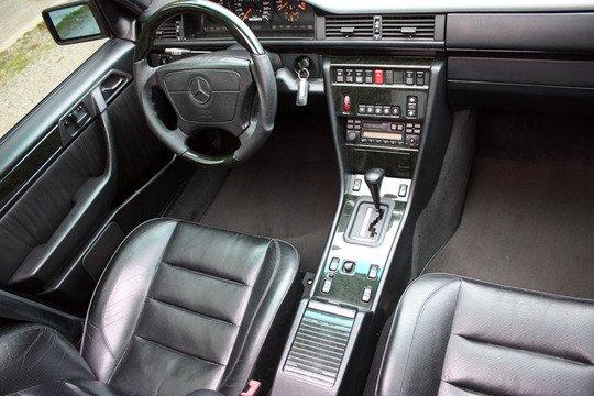 W124 salon , немецкий автомобиль , W124