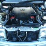 Mercedes W124 моторный отсек